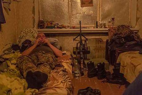 Can canh 'quan tinh nguyen' Ukraine ngoai chien tuyen - Anh 13