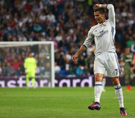 Champions League: Ronaldo 'tit ngoi' Real Madrid van dai thang - Anh 1