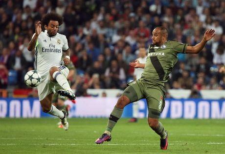 """Real Madrid """"nghien nat"""" Legia Warsaw o Bernabeu - Anh 4"""