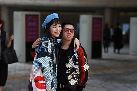 Hot girl Chau Bui va nguoi yeu gay chu y tai Han Quoc nho phong cach doc - Anh 6