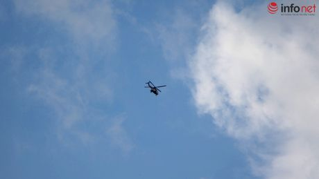 Truc thang quan thao tren nui Dinh tim chiec EC-130 mat tich - Anh 4