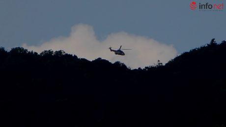 Truc thang quan thao tren nui Dinh tim chiec EC-130 mat tich - Anh 6