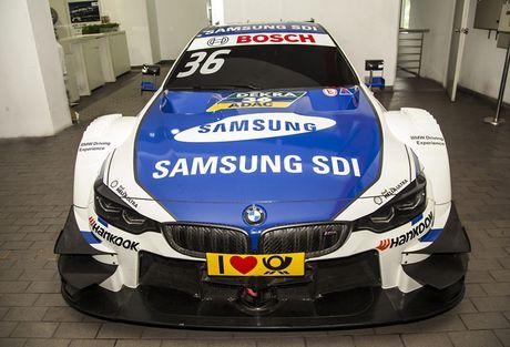 Xe dua BMW M4 DTM - tam diem cua gian hang BMW tai VIMS 2016 - Anh 4