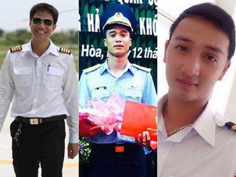 Vu roi may bay o Vung Tau: Da tim thay may bay, 3 phi cong tu nan - Anh 1