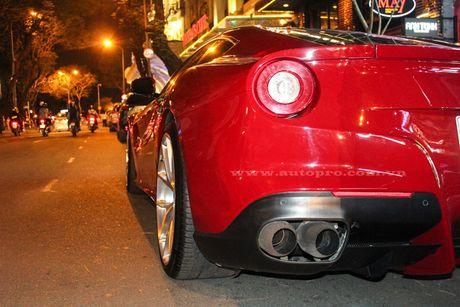 Ngam sieu xe Ferrari F12 Berlinetta mau do moi toanh cua Cuong Do-la - Anh 4
