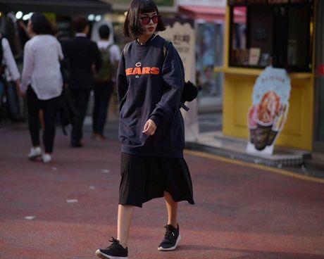 Loat fashionista Viet 'oanh tac' Seoul Fashion Week 2017 - Anh 3