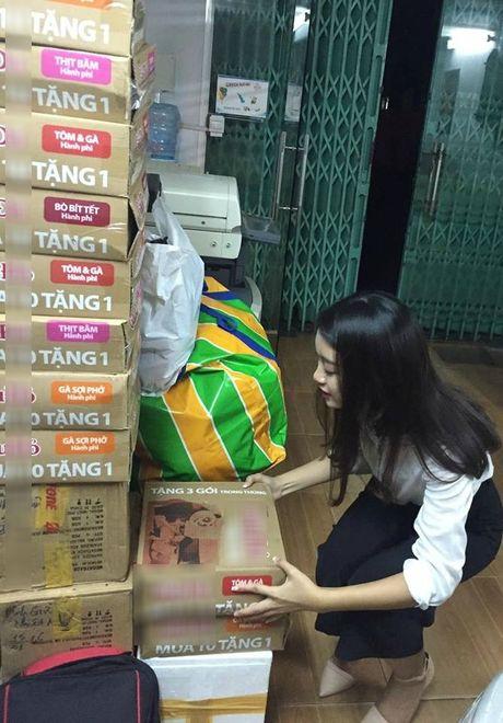 Hoa hau Do My Linh day dut vi chua co mat o mien Trung - Anh 3