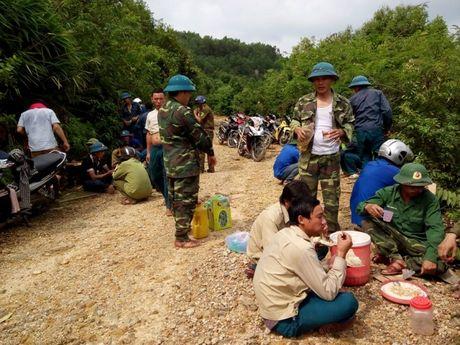 Quang Binh: Chinh quyen va nhan dan xa Cao Quang khac phuc kho khan sau con lu quet - Anh 6