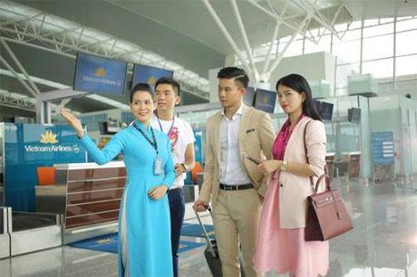 Vietnam Airlines len tieng ve viec nhan vien mat dat bi khach hang hanh hung - Anh 1