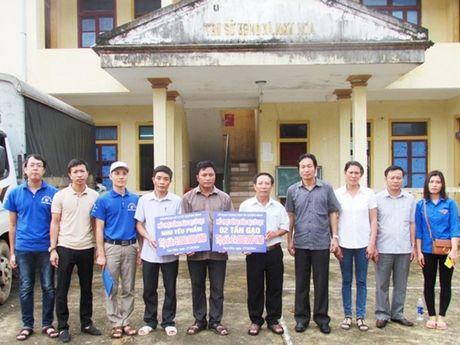 CD Nganh GTVT Quang Binh ho tro nguoi dan bi thiet hai do lu - Anh 1