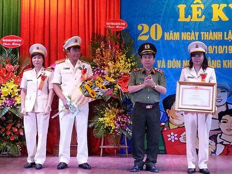 CDCS Benh vien 19.8 Ky niem 20 nam Ngay thanh lap: Thu tuong Chinh phu tang Bang khen - Anh 1