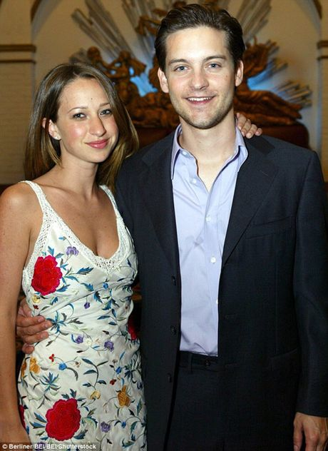 'Nguoi nhen' Tobey Maguire chia tay vo sau 9 nam ket hon - Anh 2