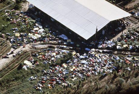 Vu 'tham sat' kinh hoang tai Jonestown: Gan 1,000 nguoi uong thuoc doc, tu sat tap the - Anh 3