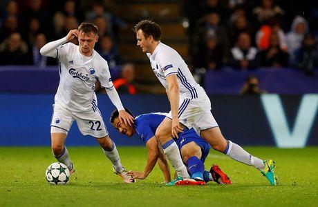 Leicester toan thang o Champions League, doi mat an phat vi phao sang - Anh 2