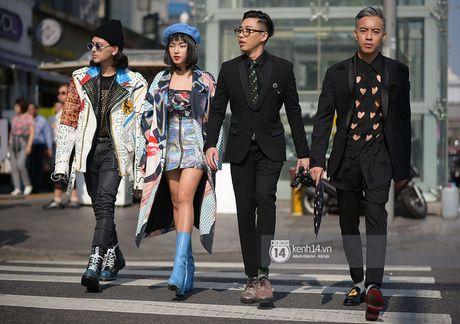 Doc quyen: Street style chat lu tai Tuan le thoi trang Seoul - Ngay 2 - Anh 1
