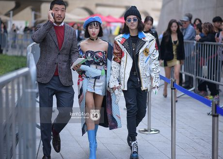 Doc quyen: Street style chat lu tai Tuan le thoi trang Seoul - Ngay 2 - Anh 2