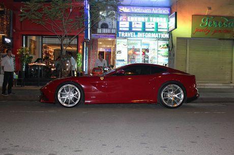 Cuong Do La mua sieu xe Ferrari F12 Berlinetta - Anh 1