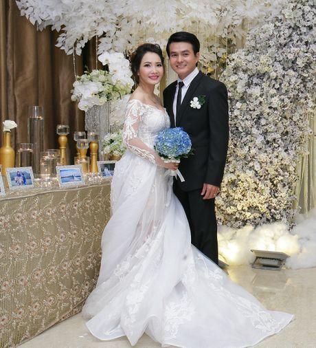 Cao Minh Dat lan dau chia se ve tinh yeu voi vo kem 8 tuoi - Anh 1