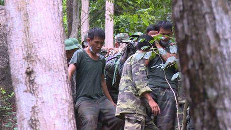 Dua thi the 3 phi cong tu nan trong vu may bay roi ve TP.HCM - Anh 29