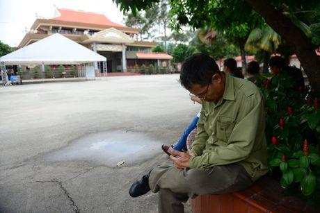 Dua thi the 3 phi cong tu nan trong vu may bay roi ve TP.HCM - Anh 36
