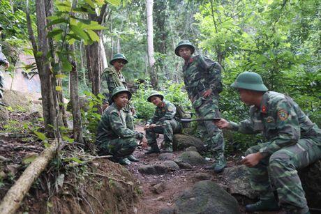 Dua thi the 3 phi cong tu nan trong vu may bay roi ve TP.HCM - Anh 6