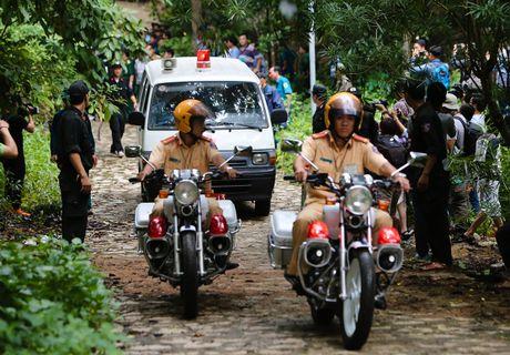 30 gio bang rung tim may bay truc thang roi o Ba Ria - Anh 17