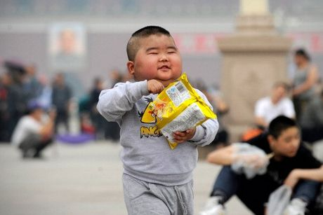 Cha me Ho Trung Quoc kiet suc voi moi goi sinh con thu 2 - Anh 2