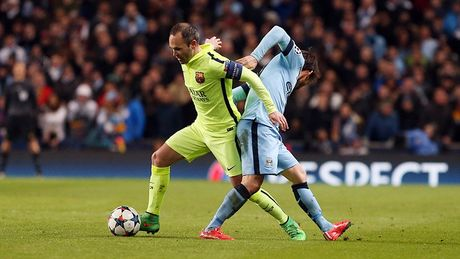 Keo Barca vs Man City: Messi 'bat nat' Pep Guardiola - Anh 2