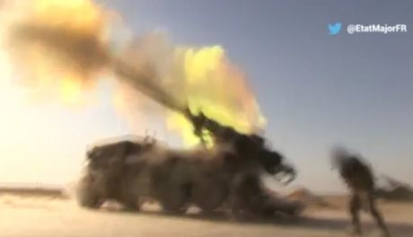 Phap na hang chuc qua phao tan cong IS o Mosul - Anh 1