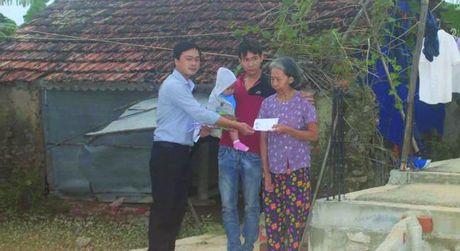Tinh nguoi sau lu du: Ve vung ron lu Ha Tinh va Quang Binh - Anh 1