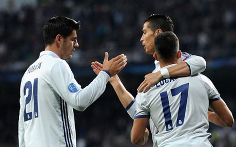 Chum anh: CDV Legia Warsaw 'hon chien' voi canh sat Madrid - Anh 10
