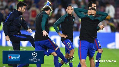 Messi lap hat-trick giup Barcelona huy diet Man City tai Nou Camp - Anh 15
