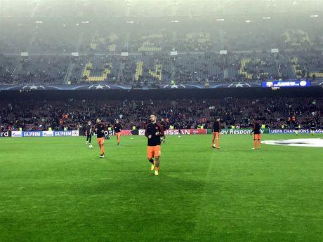 Messi lap hat-trick giup Barcelona huy diet Man City tai Nou Camp - Anh 17