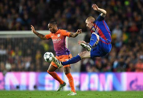 Messi lap hat-trick giup Barcelona huy diet Man City tai Nou Camp - Anh 4
