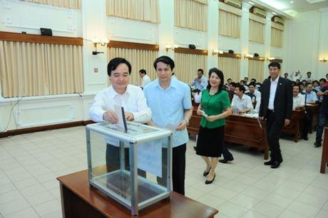 Bộ Giáo dục quyên góp hơn 750 triệu đồng ủng hộ miền Trung