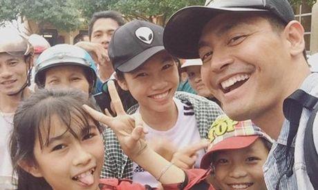 RADIO chuyện sao: MC Phan Anh và câu chuyện từ thiện như cổ tích