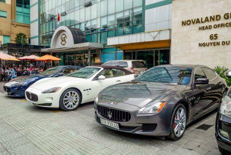 Dàn xe sang Maserati xuất hiện ở trung tâm Sài Gòn