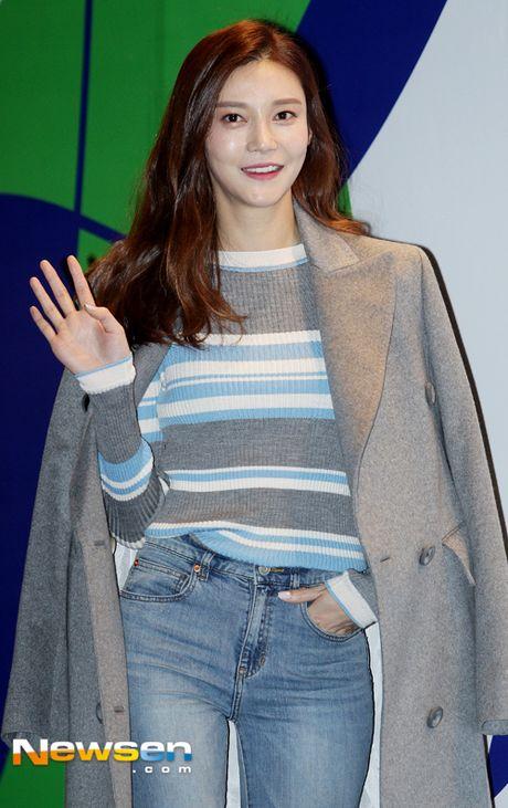 Sao Han chuong phong cach ca tinh o Seoul Fashion Week - Anh 2