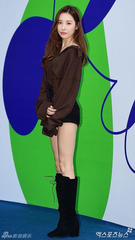 Sao Han chuong phong cach ca tinh o Seoul Fashion Week - Anh 9