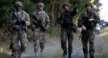 NATO tìm cách 'xoa dịu' Nga