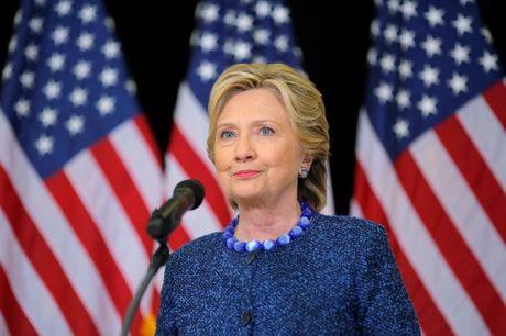 FBI điều tra loạt thư mới bị rò rỉ của bà Clinton