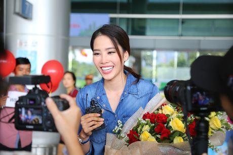 Nam Em rang ro tro ve tu Hoa hau Trai dat 2016 - Anh 5