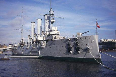 Chiến hạm Rạng Đông - biểu tượng của Cách mạng Tháng Mười vĩ đại