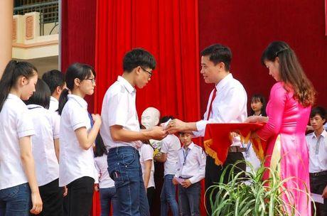 Thầy giáo trẻ, tâm huyết với sự nghiệp giáo dục vùng cao