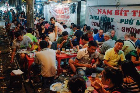 12 dieu khach Tay ri tai nhau truoc khi toi Viet Nam - Anh 3