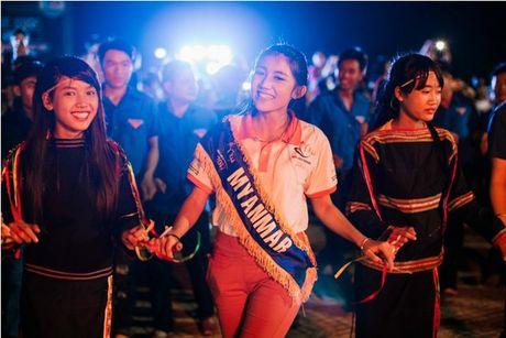 Phu Yen da lam say long cac nguoi dep ASEAN nhu the nao? - Anh 3