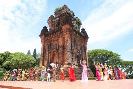 Phu Yen da lam say long cac nguoi dep ASEAN nhu the nao? - Anh 6