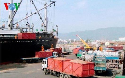 Công nhân ngưng làm việc, Cảng Quy Nhơn đình trệ