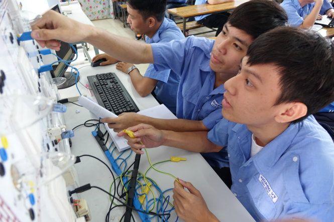 Năng suất lao động VN: Nửa thế kỷ nữa mới bắt kịp Thái Lan