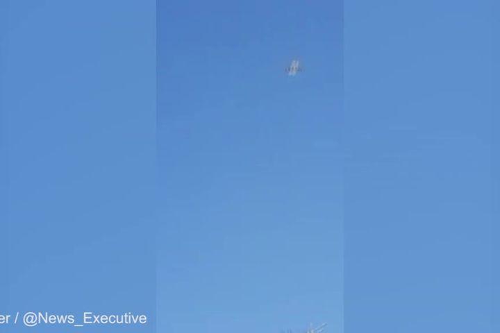 Máy bay Qatar Airways hạ cánh khẩn cấp do cháy động cơ